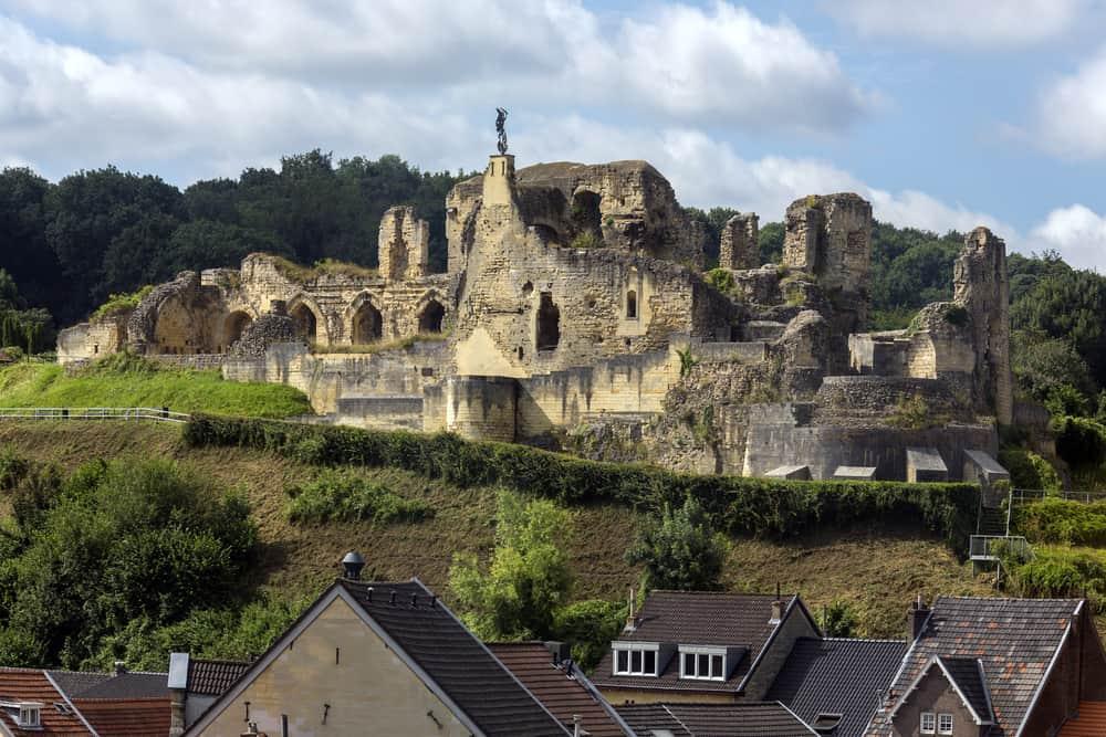 Valkenburg aan de Geul; activiteiten en bezienswaardigheden van grotten tot kasteel - Mamaliefde.nl