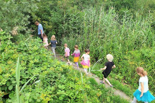 Oerrr kinderfeestje; op pad met boswachter in de Ackerdijkse Plassen en spelen Belevenisboerderij Schieveen - Mamaliefde.nl