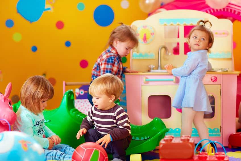 Peuter activiteiten; binnen en buiten, educatieve spelletjes en actieve beweging - Mamaliefde.nl