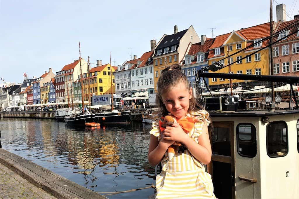 Kopenhagen met kinderen wat te doen; Bezienswaardigheden, activiteiten en uitjes in omgeving. Van de kleine zeemeermin tot Tivoli, museum, fietsen en nog veel meer. - Mamaliefde.nl