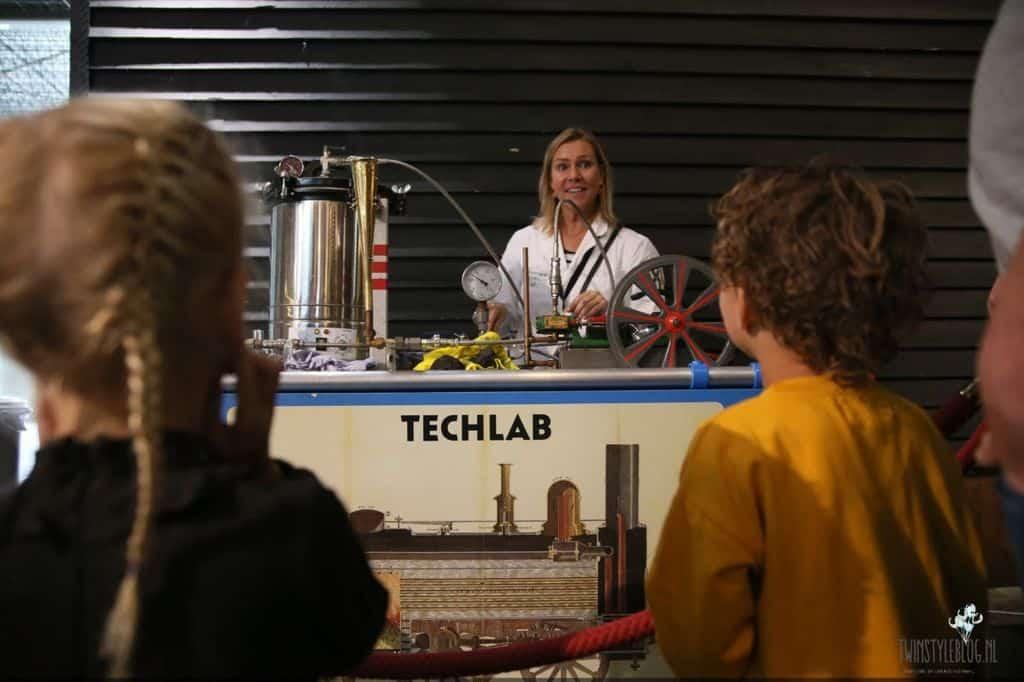 TechLab XL in Spoorwegmuseum - Mamaliefde.nl