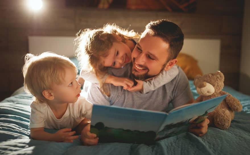 Voorleesboeken; top 10 leukste prentenboeken voor baby's, peuters en kleuters Van klassieke tot nieuwe prentenboeken, over dieren maar ook online lezen. - Mamaliefde.nl