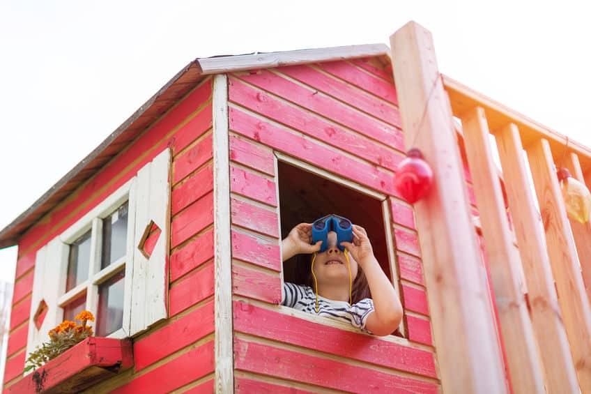 De leukste speelhuisjes van hout, plastic, voor peuters en kinderen met glijbaan en schommel om zelf te maken - Mamaliefde.nl