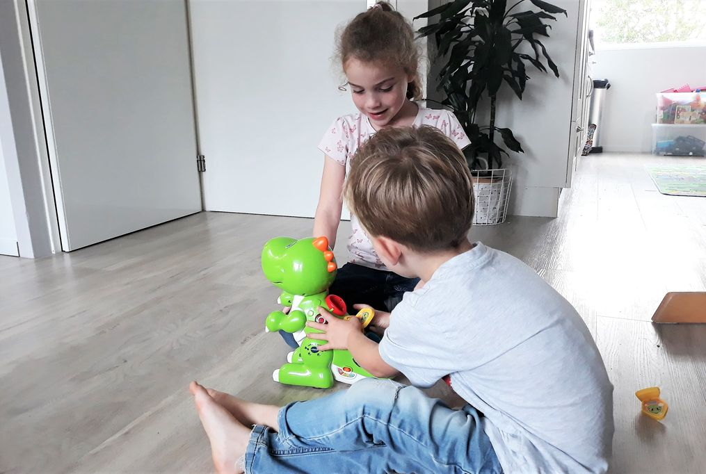 Review: Codi mijn RoboDino van Vtech genomineerd Speelgoed van het Jaar - Mamaliefde.nl