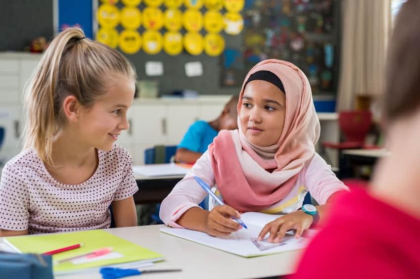 Wat als je kind islamitische vriendjes of vriendinnetjes heeft? - Mamaliefde.nl