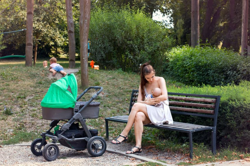 Buitenshuis borstvoeding geven in het openbaar - Mmaaliefde.nl
