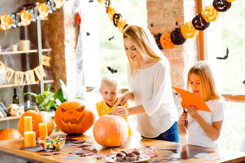 Pompoen knutselen; voorbeelden en inspiratie om zelf te maken voor peuters, kleuters, kinderen en volwassenen - Mamaliefdenl