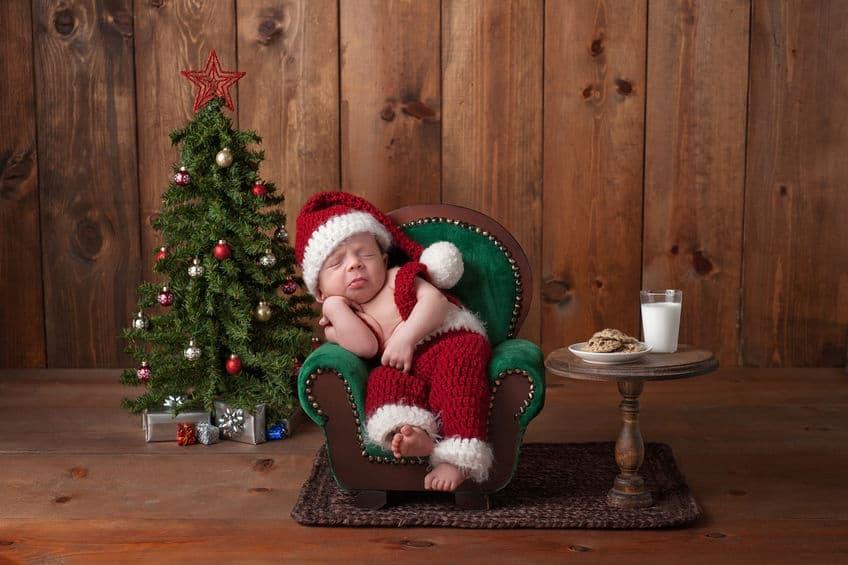 Baby's eerste kerst; Van kerstboom en kerstbal met naam tot outfit en kerstrompertjes voor kerstdiner en cadeautjes - Mamaliefde.nl