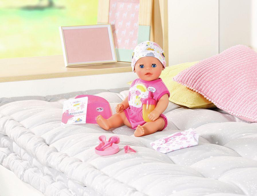 Baby Born interactieve pop & familie zoals de soft touch en grote zus en broer & speelsets en accessoires zoals hemelbed, wastafel, bad, scooter en outfits. - Mamaliefde.nl