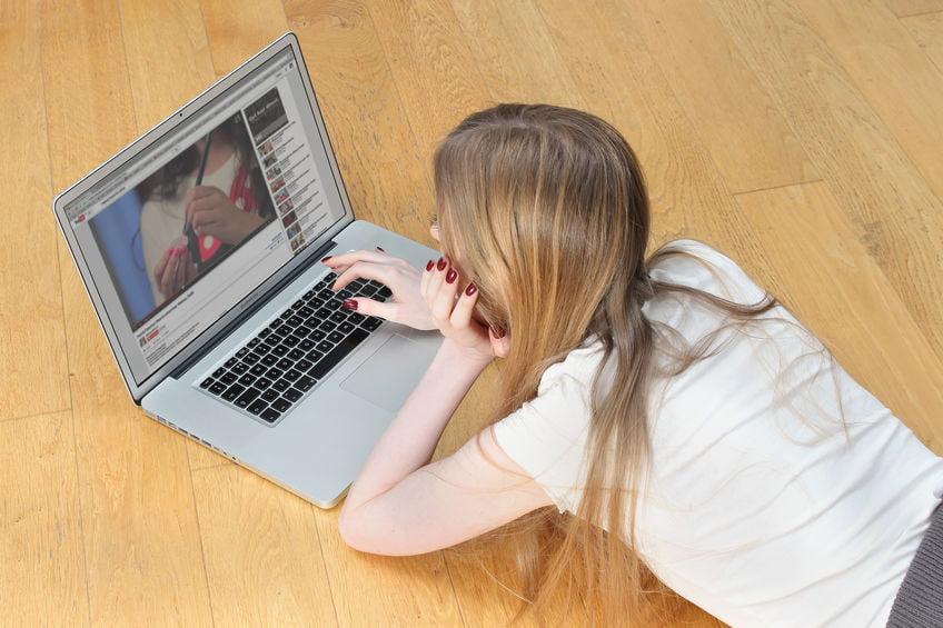 Bekende youtubers die populair zijn bij kinderen - Mamaliefde.nl