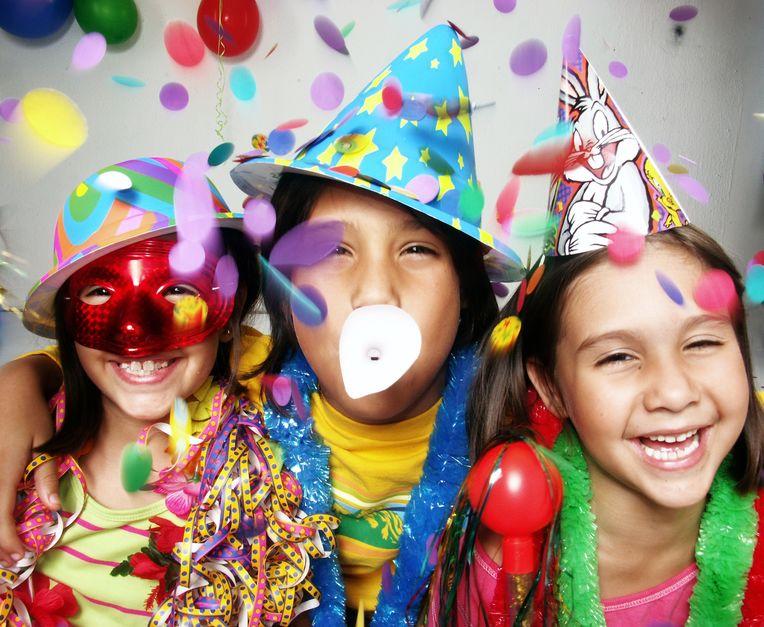 Carnavalsliedjes voor kinderen; de nieuwste hits uit 2020 en all-time favorite carnavalsmuziek - Mamaliefde.nl