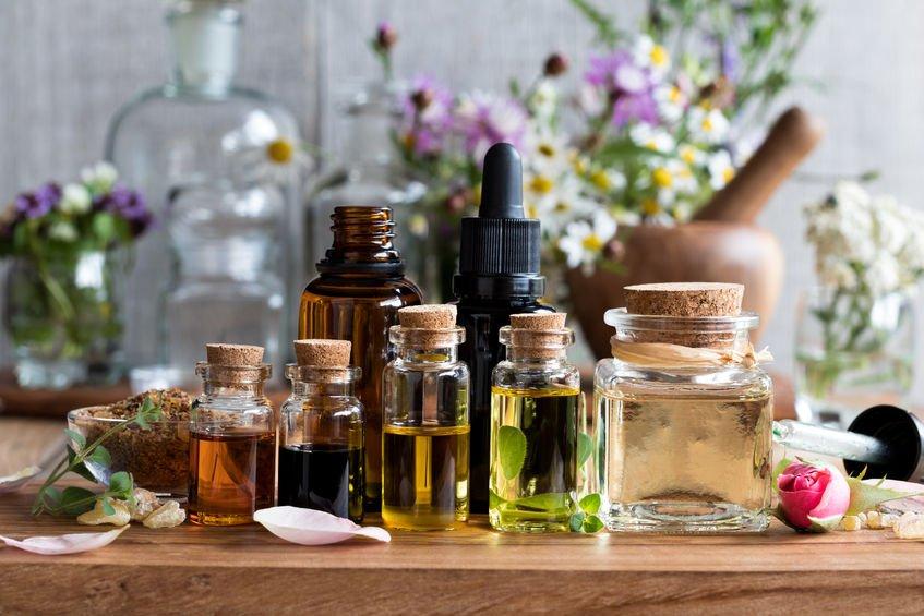 Etherische en aromatische olie voor aromatherapie en meer; welke geuren en waar kopen? - Mamaliefde.nl