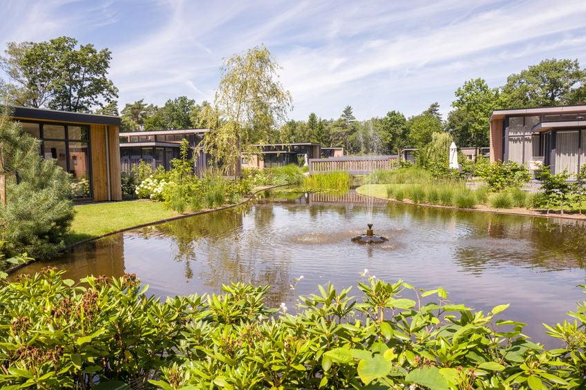 Luxe vakantiehuizen in bungalowparken of vakantieparken in Nederland onderandere de Veluwe en Drenthe en Europa in Spanje, België en Italië. - Mamaliefde.nl