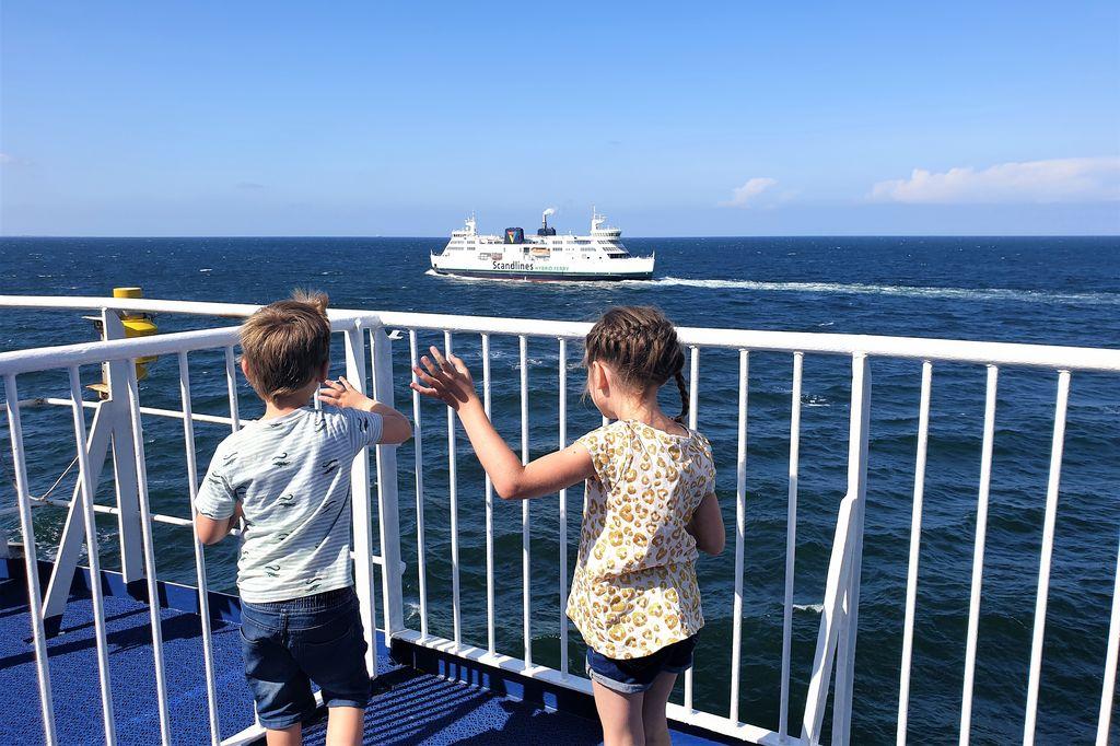 Met de auto naar Zweden; Met Scandlines ferrys van Puttgarden Duitsland naar Rodby Denemarken & Öresundbrug of boot Helsingor / Helsingborg. - Mamaliefde.nl