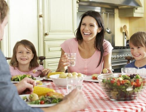 Met deze tips wordt het (weer) gezellig aan tafel!