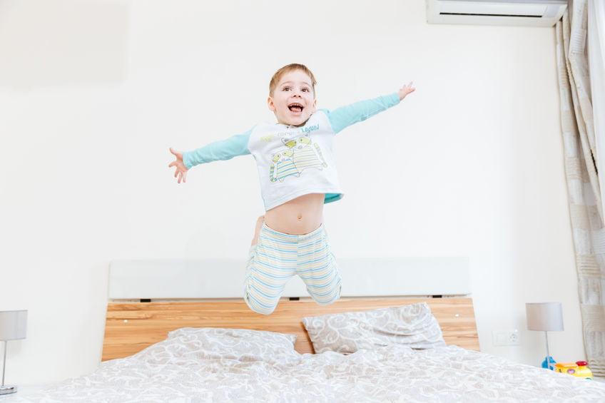 Help! Wat te doen als je baby of kind vroeg wakker wordt? - mamaliefde.nl