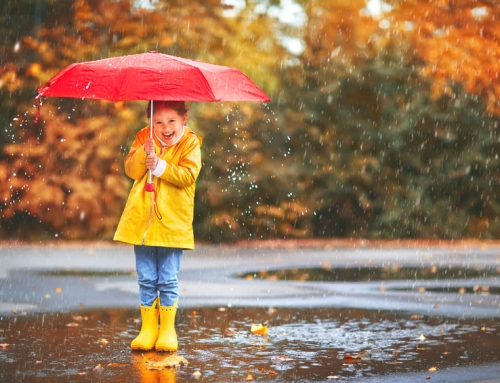 Je kind beschermen tegen de regen