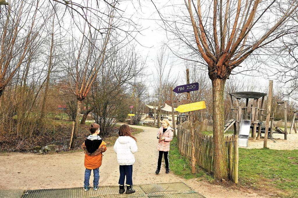 Hof van Eckberge; buiten & binnenspeeltuin met mini zoo! - mamaliefde.nl