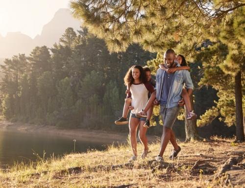 Gezond en fit blijven; 14 tips en oefeningen voor thuis en buiten in het park