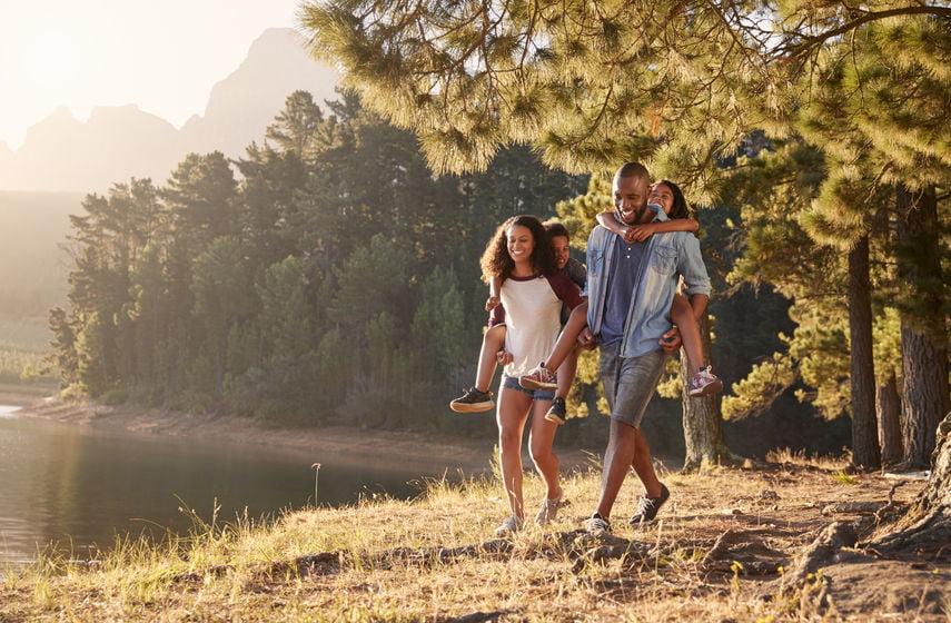 Gezond en fit blijven; 14 tips en oefeningen voor thuis en buiten in het park. Van alternatieven voor sportschool tot tips gezonde voeding en combinatie werken. - mamaliefde.nl