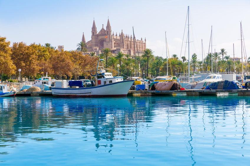Mallorca met kinderen; meer dan alleen strand! Maar ook bergen en de mooiste bezienswaardigheden.- Mamaliefde.nl