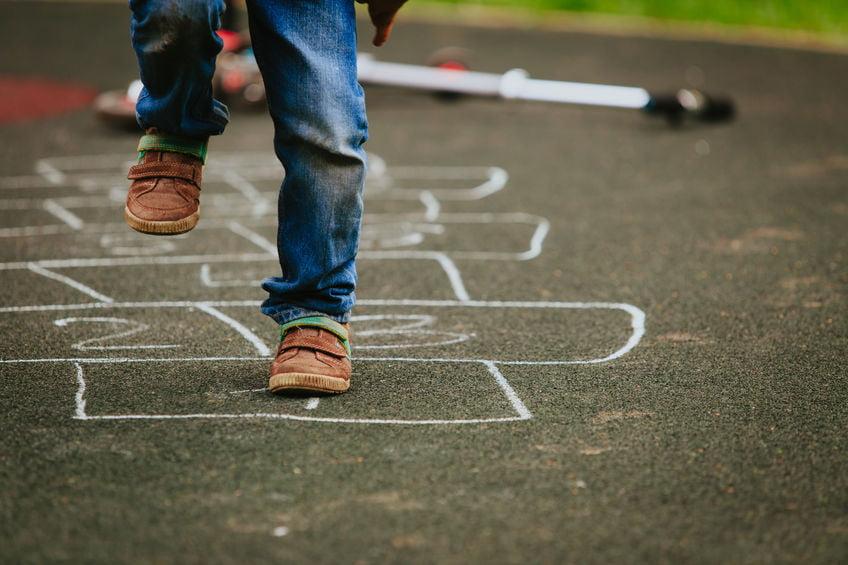 Sport en spel activiteiten: spelletjes en bewegingen voor binnen en buiten - Mamaliefde.nl