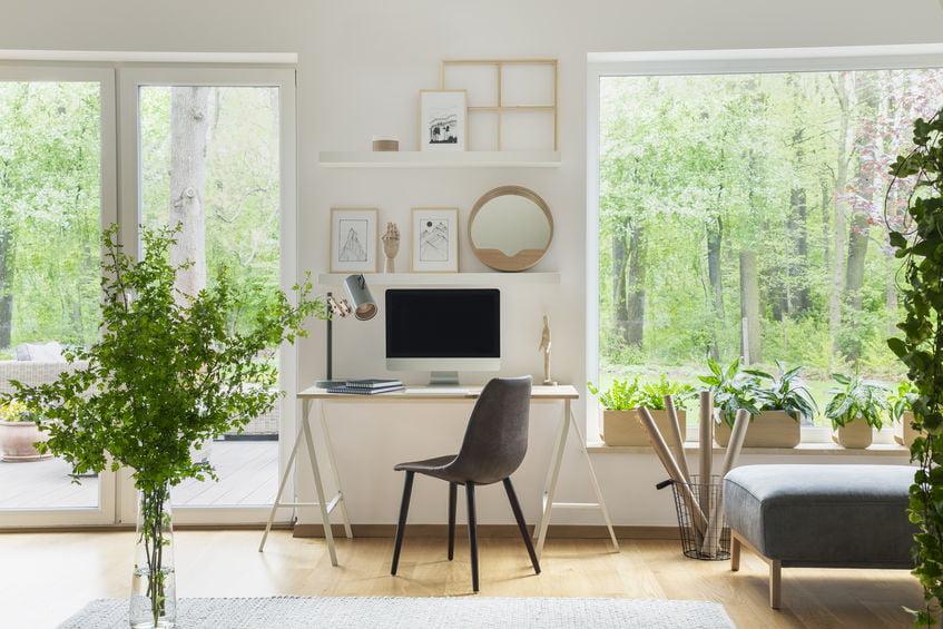 Thuiskantoor inrichten; tips voor bureau, werkplek of studiekamer - Mamaliefde.nl