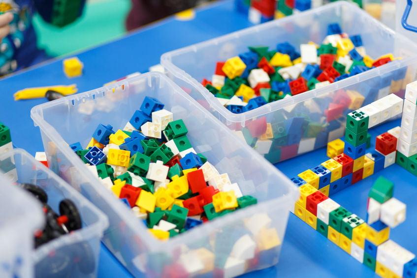 Lego opbergen; 23 tips van sorteren op soort of kleur tot opbergen gebouwde sets of instructie boekjes bewaren - Mamaliefde.nl