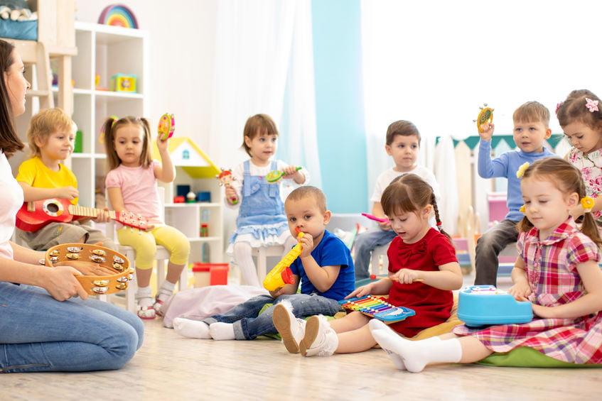 Hoe draagt een kinderdagverblijf of peuterspeelzaal bij aan de ontwikkeling van een kind - Mamaliefde.nl