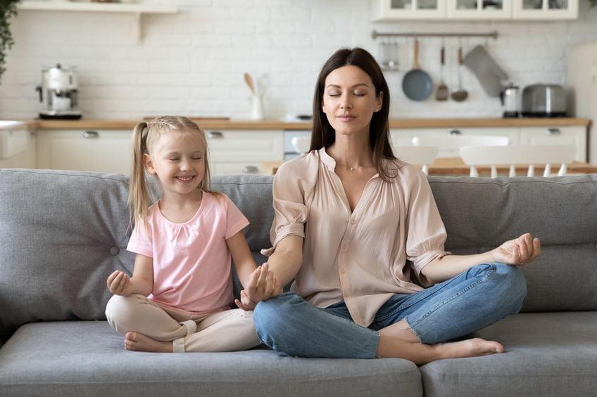 Hoe jij en je kind gelukkiger worden in slechts 5 minuten per dag - Mamaliefde.nl