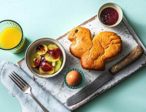 Recepten voor paasbroodjes met en zonder ei