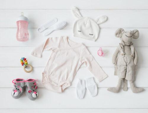 Wat voor kleding trek jij je baby aan na de geboorte?