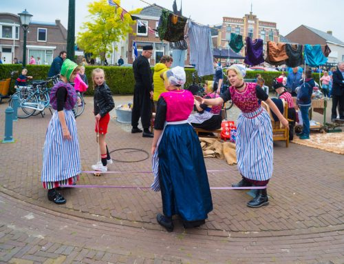 Oud Hollandse spelletjes met kinderen voor kinderfeestje of Koningsdag