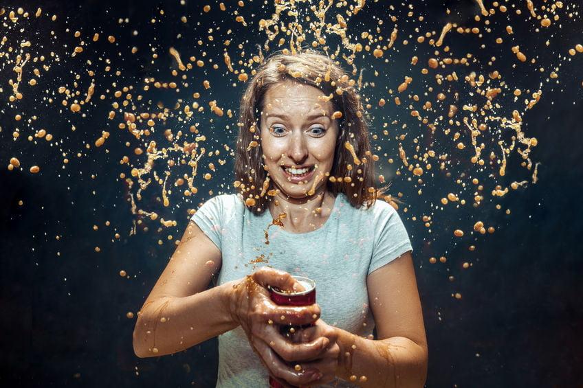 Deze 10 dingen kun je allemaal doen met cola; van schoonmaken tot experimenten - Mamaliefde.nl