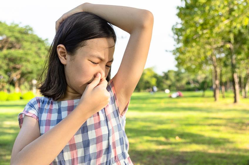 Transpiratie kinderen; tips wat te doen overmatig zweten of als je kind ruikt naar zweetlucht niet alleen bij inspanning. - Mamaliefde.nl