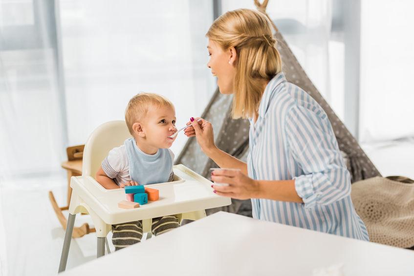 Déze voedingsmiddelen kun je beter niet aan je baby geven - Mamaliefde.nl