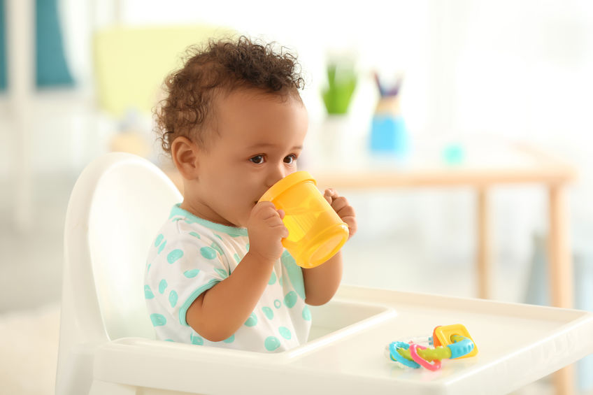 Handige drinkbekers voor jonge kinderen om te oefenen-Mamaliefde.nl