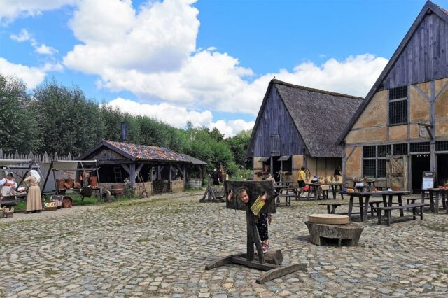 Pre-historisch dorp Eindhoven; 15.000 jaar door de tijd reizen met je kind - Mamaliefde.nl