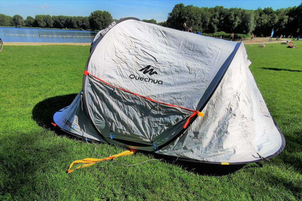 Review; Quechua 2 seconds pop-up tent uit de Fresh & Black lijn - Mamaliefde.nl