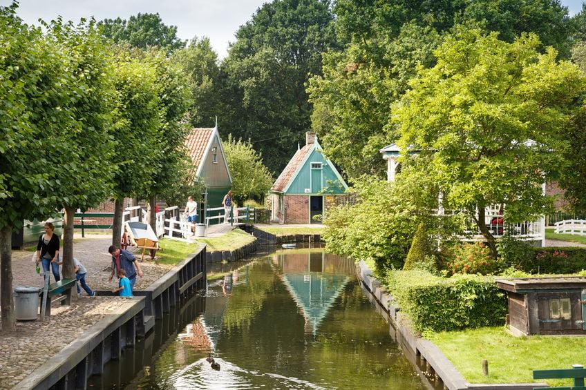 Openluchtmusea Nederland met kinderen bezoeken. Overzicht van historische tot cultuur musea en meer. - Mamaliefde.nl