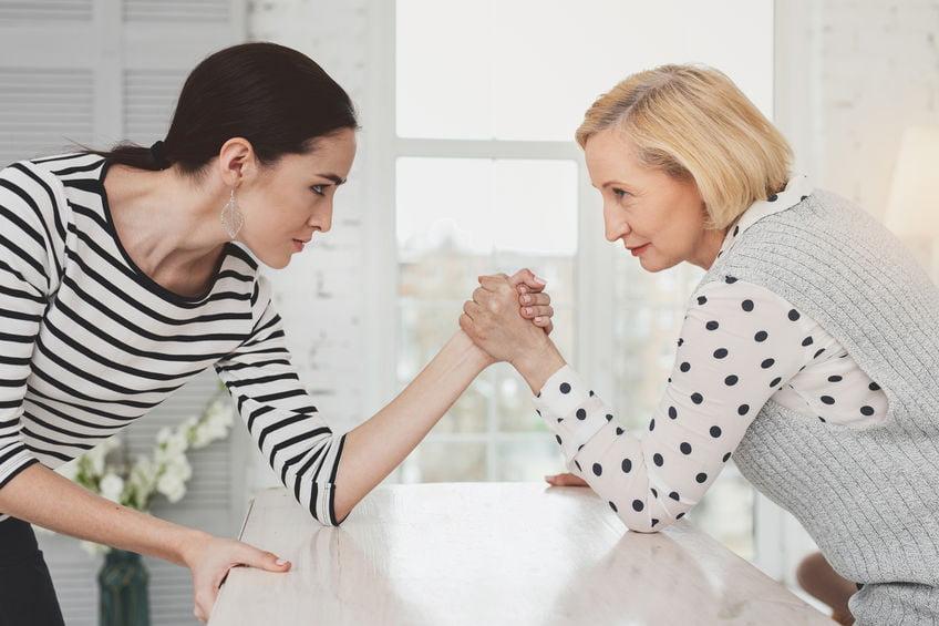 Schoonmoeder of schoonloeder?!; Tips hoe je van de relatie het beste kan maken, ook als jej niet altijd met elkaar door een deur kan - Mamaliefde.nl