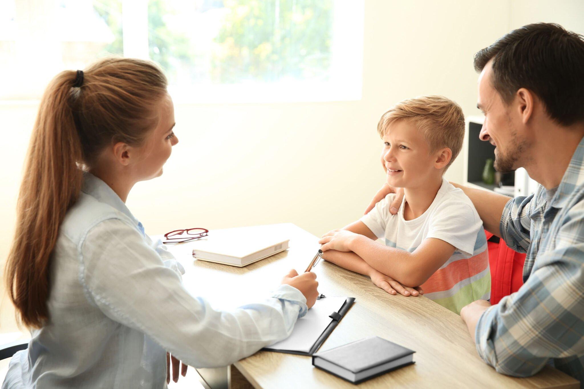 Wat een intern begeleider voor je kind en jou als ouder kan betekenen? - Mamaliefde.nl