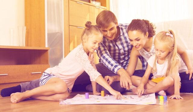 Junior gezelschapsspellen; de populairste bordspellen en kaartspellen ook voor jonge kinderen en kleuters - Mamaliefde.nl