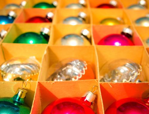 Tips om je kerstspullen te organiseren; van kerstballen tot verlichting en kerstboom