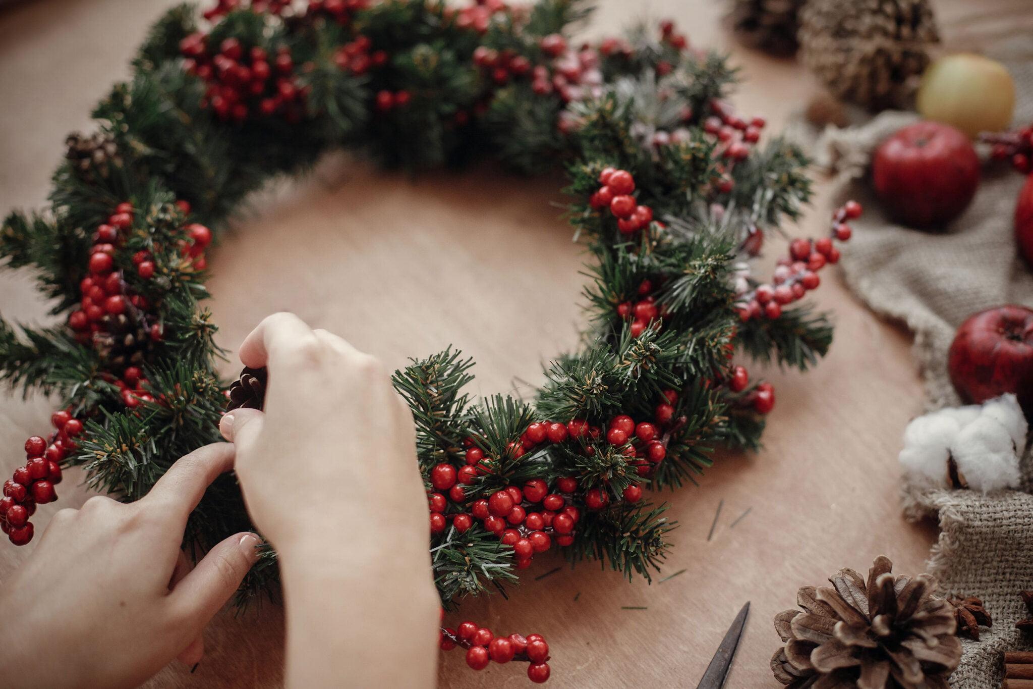 Kerststukjes maken; tips benodigdheden en voorbeelden eenvoudig tot origineel - Mamaliefde.nl