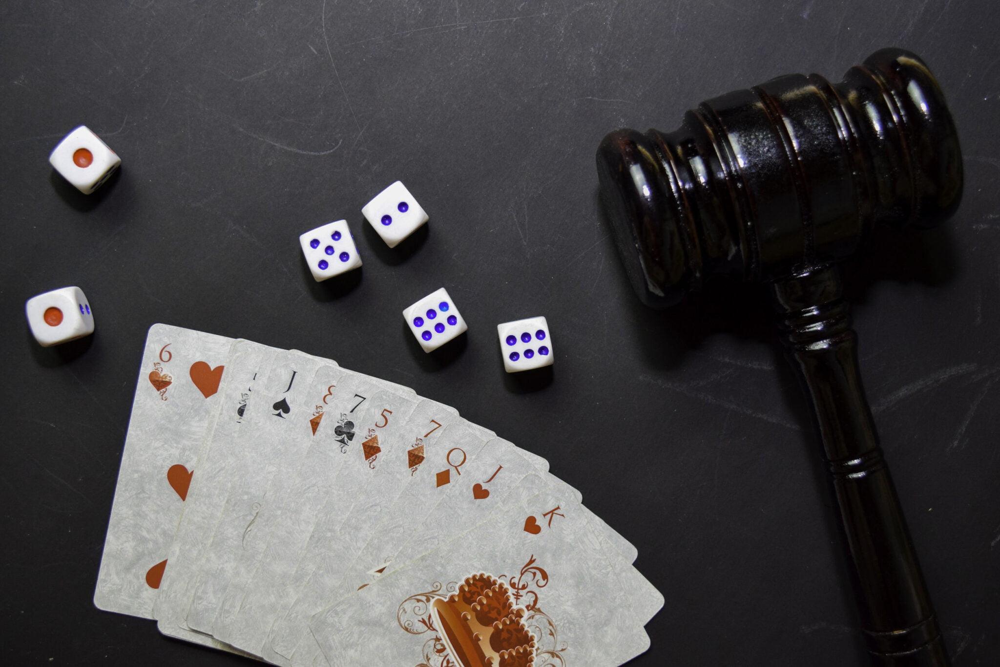Spelletjes voor 1 persoon die je alleen kan spelen; bordspellen, kaartspellen en online kaartspellen - Mamaliefde.nl