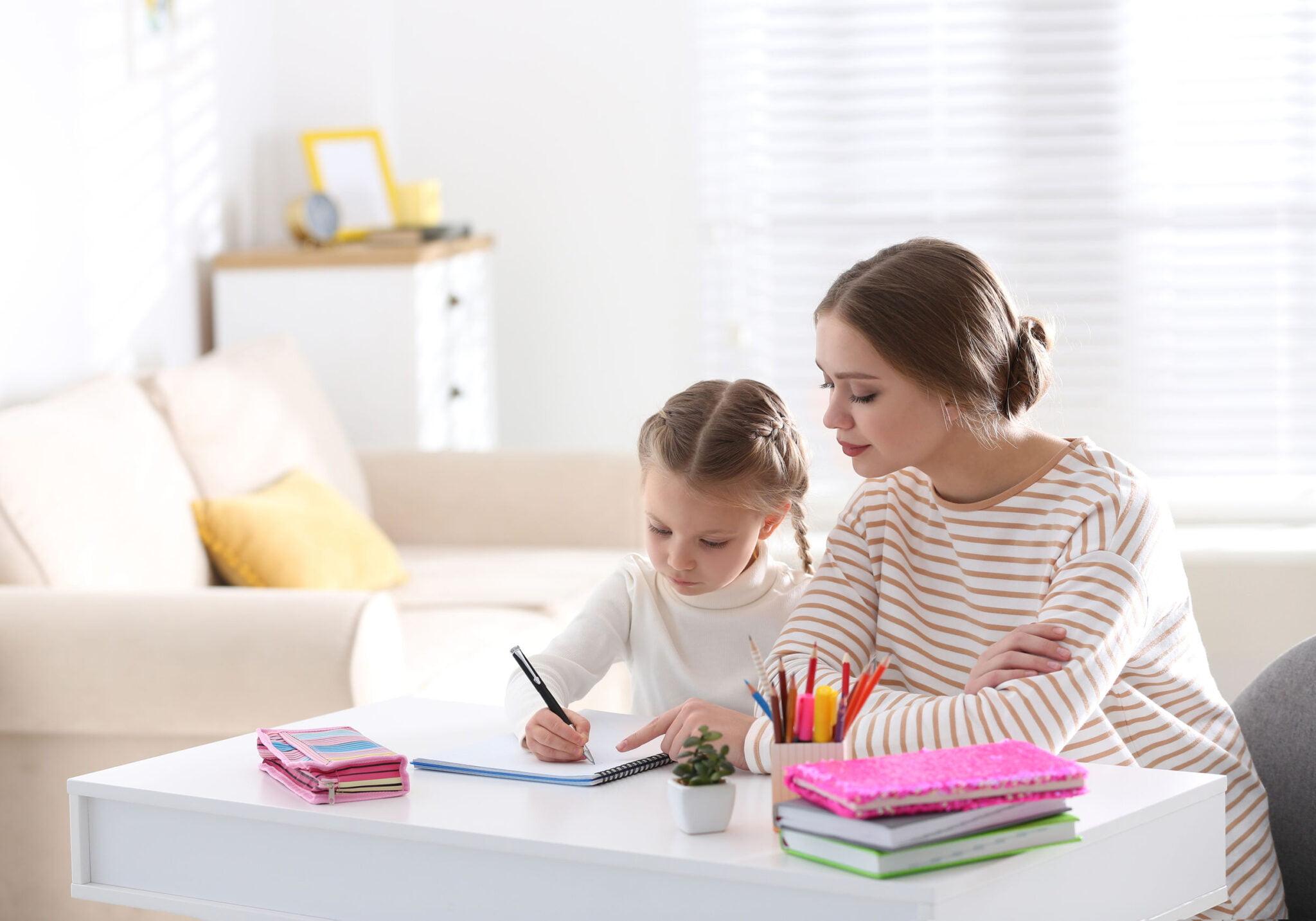 Thuisonderwijs gratis lesmateriaal; werkbladen en werkboekjes voor kleuters, groep 3, 4, 5, 6, 7 en 8 voor lezen, rekenen, taal en spelling - Mamaliefde.nl