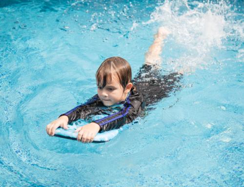 Kind ziek na zwemmen? Let op deze symptomen!