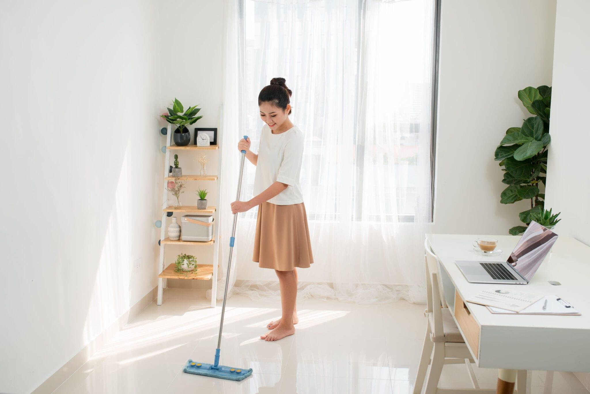 Tips onderhoud en schoonmaken vloeren; van hout tot laminaat en pvc of vloerbedekking - Mamaliefde.nl