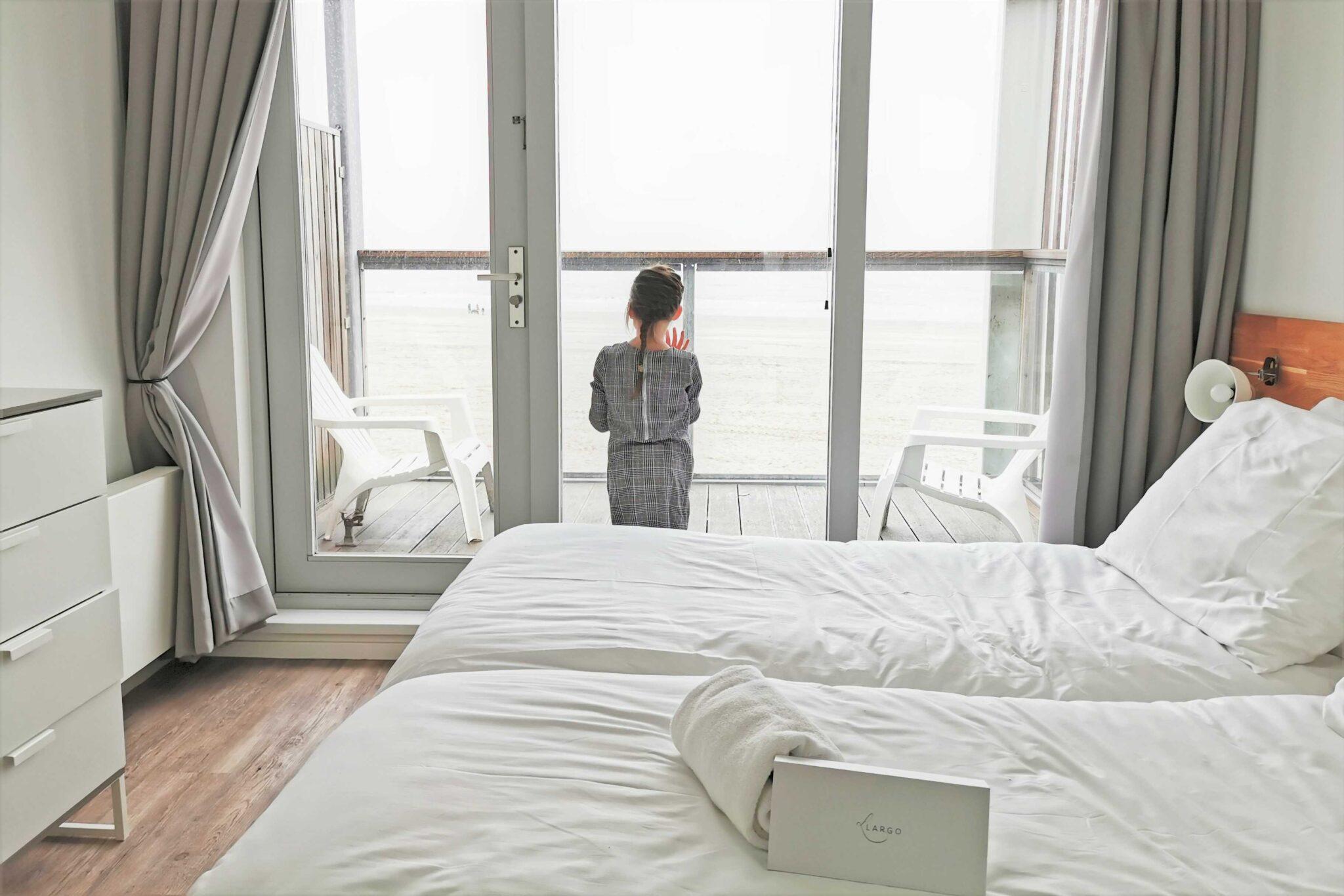 Beach Villa's Hoek van Holland; ervaringen van overnachting met kinderen. Overnachten in een strandhuisje en slapen op het strand ook in de winter = Mamaliefde.nl